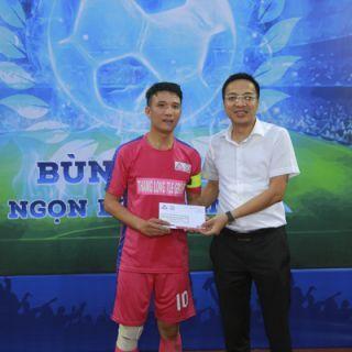 Trận mở màn Văn Phòng Hà Nội 3 – 1 Sài Gòn-Cần Thơ : Sức mạnh nhà vô địch