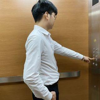 Cách sử dụng thang máy an toàn và cách xử lý sự cố